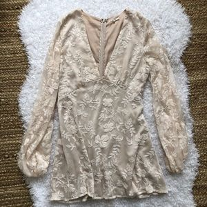 Tularosa Floral Embroidered Cream Dress Medium